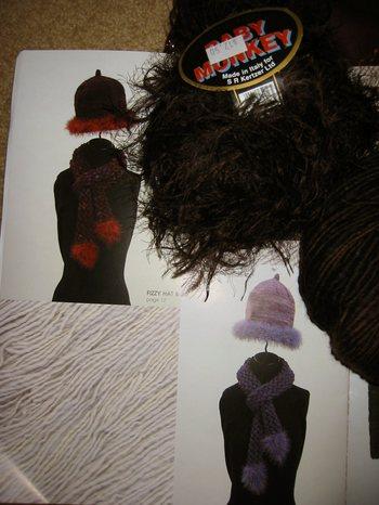 Manos_scarf_pattern_and_yarns
