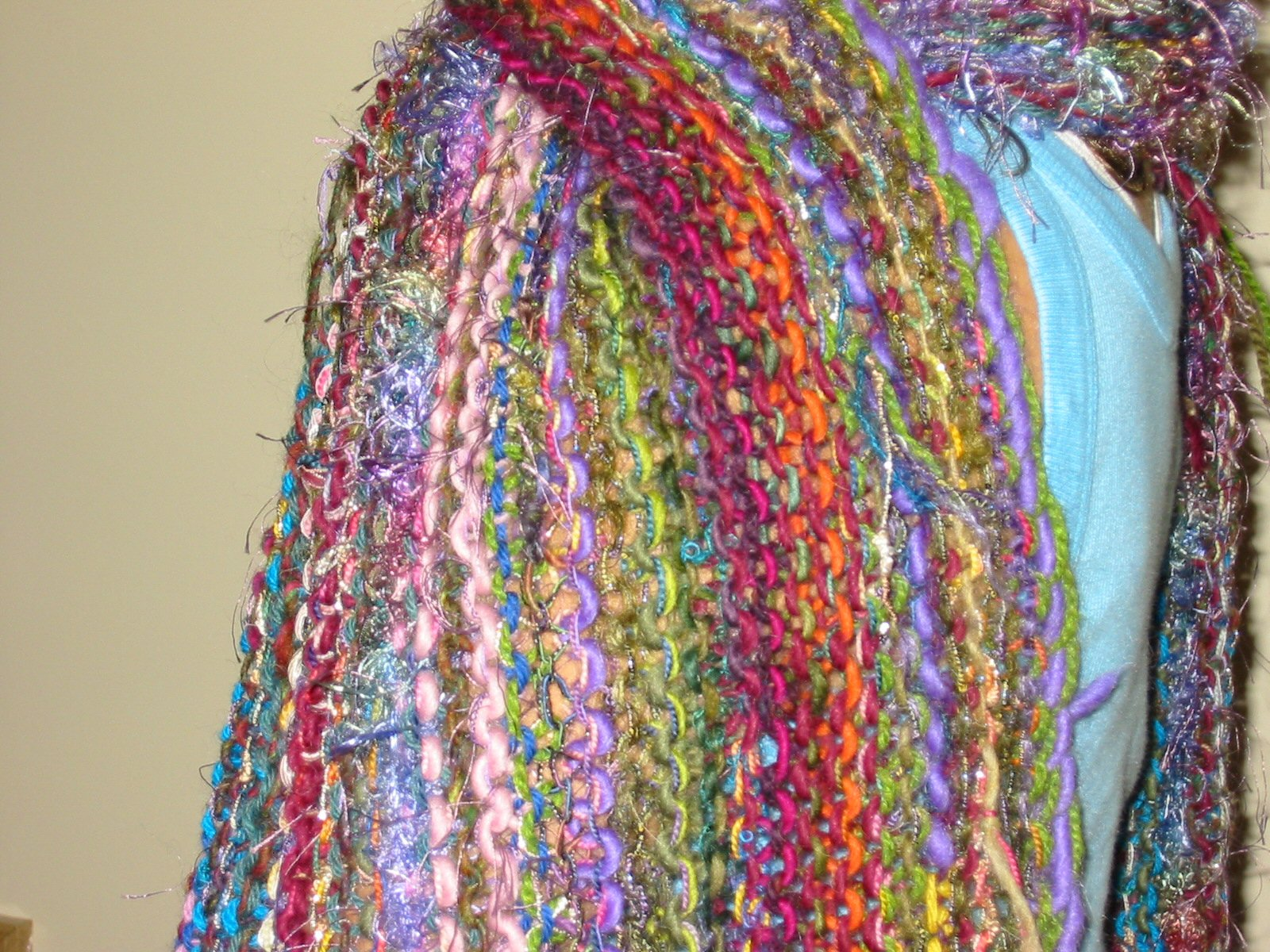 multiyarn_scarf_closeup